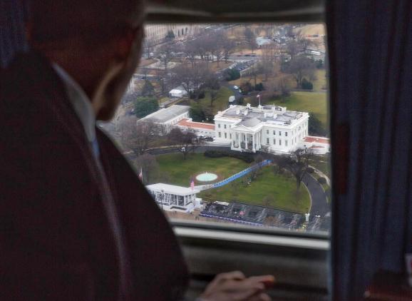 백악관 떠나는 버락 오바마의 마지막 사진 공개