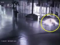 천사 닮은 환영 찍힌 CCTV 인터넷 논란