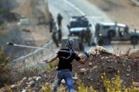 팔레스타인, 돌 던지는 슬링 샷(Sling Shot)의 표적은...