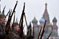 """[화보] """"1941년 당시 독일 나치와 싸웠던 '붉은군대', 붉은 광장 덮다."""""""