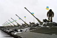 """[화보+2] 눈 위에 진열된 우크라이나 신형 BMP-2M 장갑차, """"전쟁 탓에..."""""""