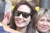 안젤리나 졸리, 로마 방문서 오랜만에 환한 미소