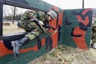 [이일우의 밀리터리 talk] 예비군 총기난사, 軍에 '돌을 던져라'!