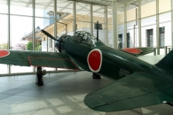 [이일우의 밀리터리 talk] 日 패전 70년, 군국주의 상징 '제로센' 다시 날아오르다