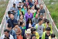 '대륙의 명절' 이모저모…한국에서는 보기 힘든 풍경들