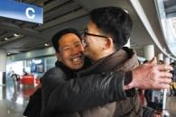 [설 풍경] 中여행사, 7년간 고향 못한 소방관에 '역귀성 지원'
