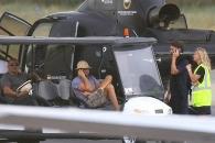 디카프리오, 자가용 비행기·헬기 타 구설 오른 사연