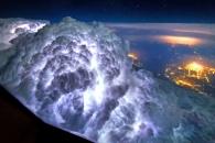 [지구를 보다] 비행기 조종석 '창'으로 본 아름다운 세상