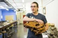 [와우! 과학] 거대 이빨로 '성적 과시'하는 포유류 조상 발견