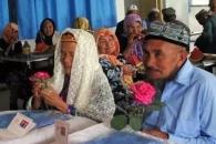 대세는 연상연하!…71세 中할아버지, 114세 할머니와 결혼