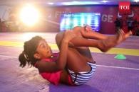 1시간에 2787회…앞구르기 세계 기록 인도 8세 소녀