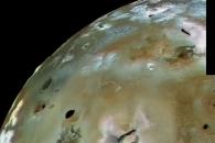 [우주를 보다] 태양계 최대 '활화산 천국'…위성 '이오' 포착