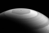 [우주를 보다] 치명적 아름다움…토성 육각형 소용돌이 포착