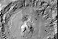 생명체 존재의 열쇠…화성 빙하 아래 물이 있을까?