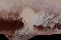 [우주를 보다] '저승신' 사는 명왕성의 컬러 지형도 공개