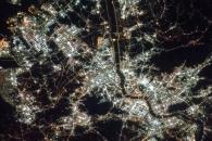 [지구를 보다] 우주정거장서 본 서울 야경…빛나는 광화문