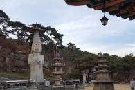 [윤기자의 콕 찍어주는 그곳] 큰바위얼굴, 부처님을 만나다