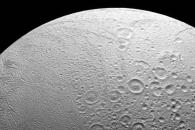 [우주를 보다] '햐얀 얼굴' 엔셀라두스의 남반구와 북반구