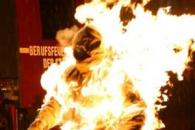 진정한 불꽃남자…400˚C 화염속에서 6분 버텨