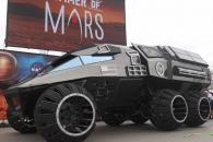 NASA, '배트모빌' 닮은 화성 탐사차량 공개
