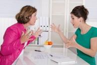 """""""여성의 적은 여성? 직장서 여성끼리 충돌 가능성 높아""""(연구)"""