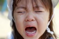 사람의 눈물로 전기 에너지 만들 수 있다 (연구)