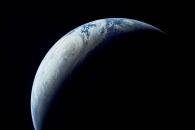 [지구를 보다] '초승달 지구' …50년 전 아폴로 4호 촬영