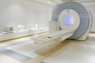 병문안 왔다가…MRI에 끌려들어 사망한 남성