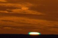 [지구를 보다] 태양이 녹색빛으로…희귀 '녹색섬광' 포착