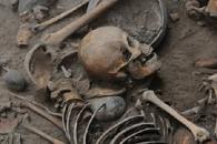 2400년 전 나선형으로 묻힌 마야문명 유골 발견