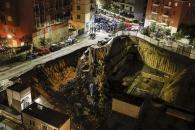 伊로마서 깊이 10m 거대 싱크홀…집·차량 곤두박질
