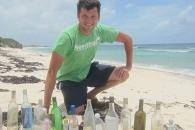 [월드피플+] 바다로 띄운 '병 속 편지' 찾는 남자의 사연