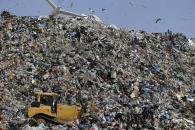 재활용 대란에 혁명?… '플라스틱 분해' 효소 발견