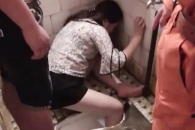 [여기는 중국] 변기에 다리 빠진 女…술 취해 화장실 갔다 변 당해