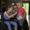 [월드피플+] 물에 빠진 1살 남동생 구한 뇌성마비 9살 소녀