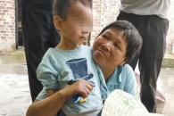[여기는 중국] 죽은 할아버지 옆서 5일 간 물만 먹고 버틴 3살 아이