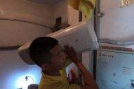 [여기는 중국] 아파트 청소부 위해 '모금운동' 벌여 에어컨 달아준 주민