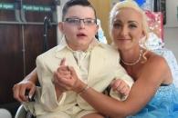 '엄마와 결혼하고 싶다'는 마지막 소원 이룬 7세 소년
