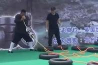 [여기는 중국] 콧바람만으로 동시에 타이어 12개 부풀려…세계新
