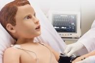 진짜 아이처럼 울고 피흘리네…의료용 '어린이 로봇' 개발