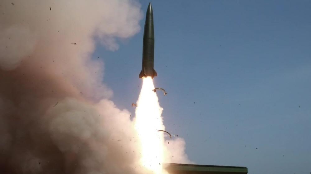 [김대영의 무기 인사이드] 북한판 이스칸데르 미사일 '신형 전술유도무기'