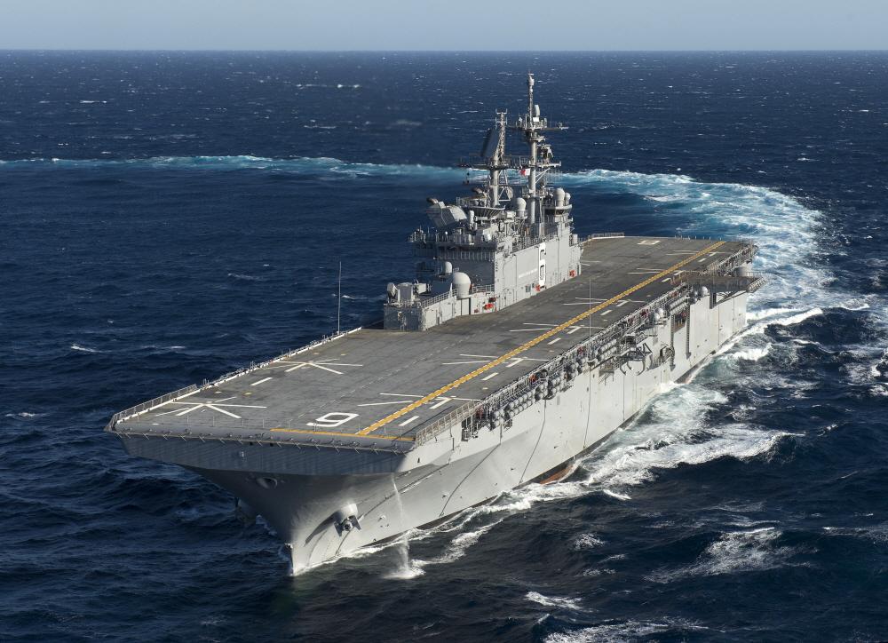 [김대영의 무기 인사이드] 항공모함? 강습상륙함? 美 해군 'LHA-6 아메리카'