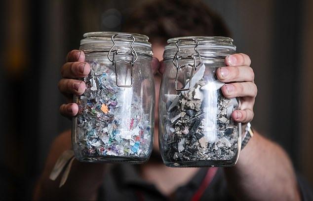 [와우! 과학] 플라스틱 쓰레기→전기·수소로 바꾸는 기술, 첫 개발
