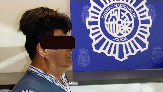 기상천외 마약운반…60대 남자, 스페인 공항서 잡힌 이유