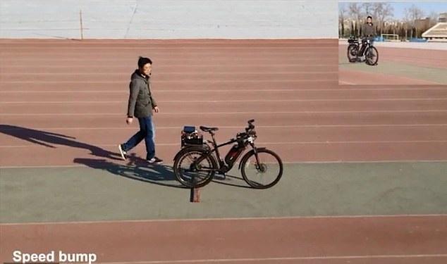 [와우! 과학] '자율주행 자전거' 개발…스스로 균형잡고 장애물 피해 (영상)