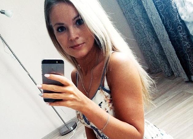 충전 중이던 스마트폰, 욕조에 '퐁당'…러시아 여성 감전사