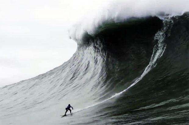 22.4m 쓰나미급 파도 가로질러…세계 최고 '서핑여제' 신기록 수립 (영상)